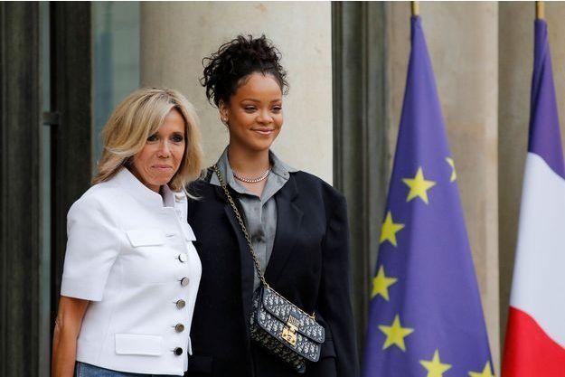 Brigitte Macron et Rihanna, à l'Elysée, le 26 juillet.