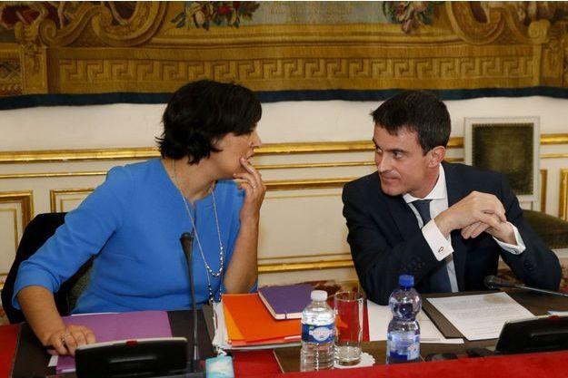 Myriam El Khomri et Manuel Valls, lundi.