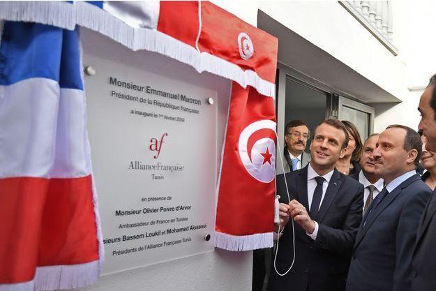 Emmanuel Macron inaugurant une antenne de l'Alliance française.