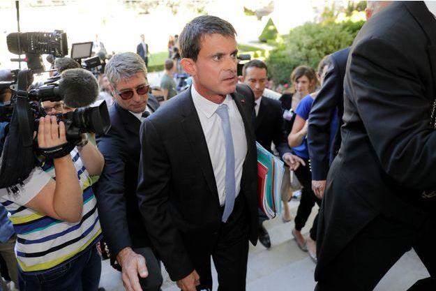 L'ancien Premier ministre Manuel Valls à son arrivée à l'Assemblée nationale le lundi 19 juin.
