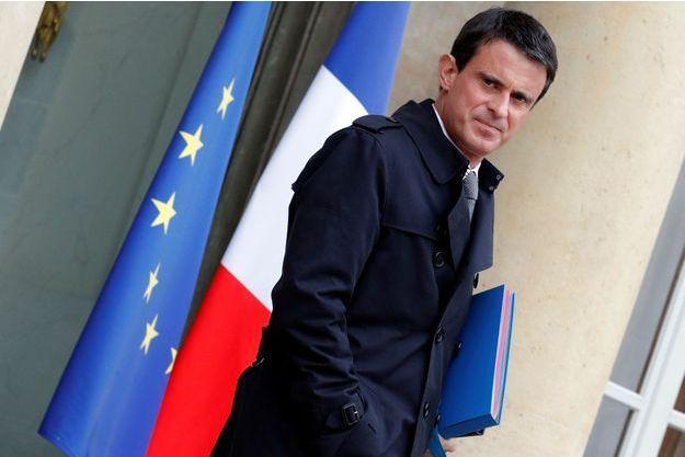Manuel Valls sur le perron de l'Elysée, mai 2016.