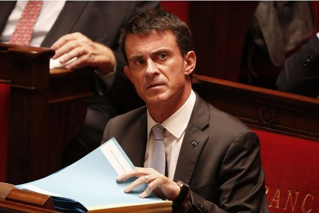 """Manuel Valls s'est engagé samedi soir à """"neutraliser l'impact"""" de la hausse des impôts locaux pour les retraités modestes."""