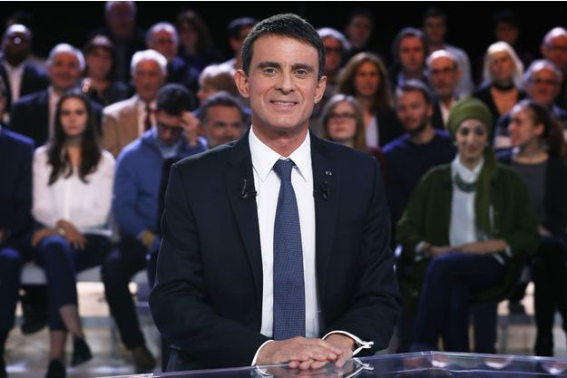"""Manuel Valls, invité de """"L""""Emission politique"""", jeudi soir."""