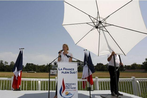 Marion Maréchal-Le Pen au Pontet a lancé sa campagne, le 5 juillet 2015.