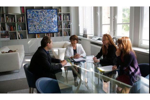 Réunion de travail pour Martine Aubry dans son bureau de l'hôtel  de ville.