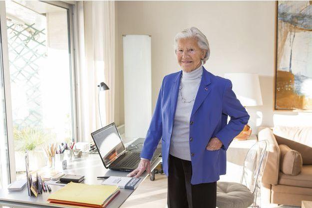 Monique Pelletier chez elle,  à Neuilly-sur-Seine,  le 1er décembre.