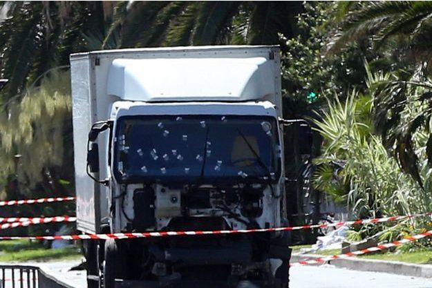 Le camion utilisé par Mohamed Lahouaiej Bouhlel pour foncer sur la foule le 14 juillet.
