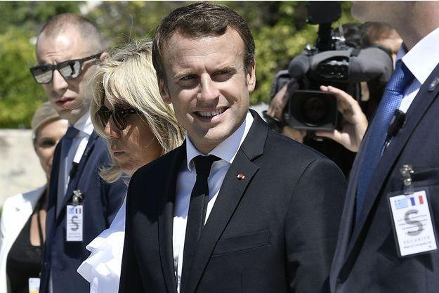 Emmanuel Macron à Athènes avec Brigitte Macron, jeudi.