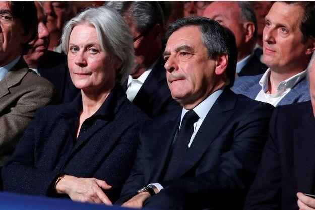 Penelope et François Fillon, dimanche au meeting de la Porte de Versailles.