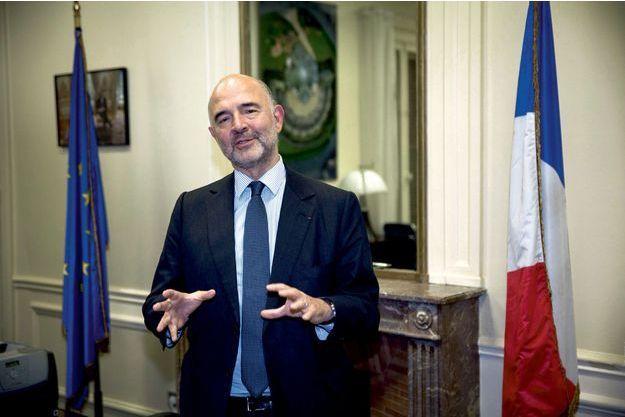 Pierre Moscovici dans les bureaux de la représentation de l'Union européenne à Paris.