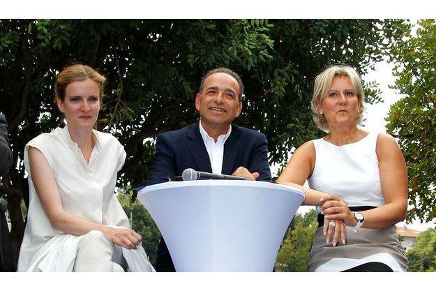"""Jean-François Copé entouré de Nathalie Kociusko-Morizet et Nadine Morano à Nice, le 25 août, au rassemblement des """"Amis de Nicolas Sarkozy""""."""