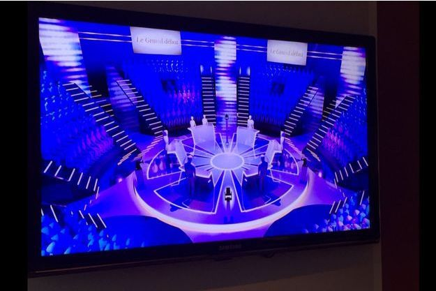 Cette première photo du plateau a été partagée par Christophe Jakubyszyn, le chef du service politique de TF1.
