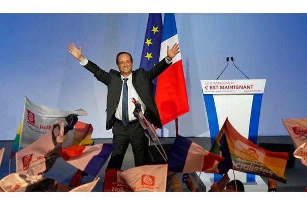 François Hollande, ici à Besançon, progresse au premier tour d'1%.