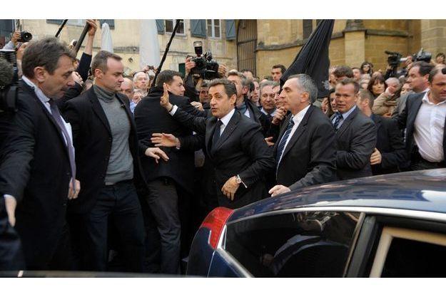 Nicolas Sarkozy a été chahuté par les manifestants lors de sa visite çà Bayonne jeudi 1er mars.