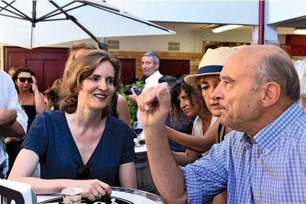 Nathalie Kosciusko-Morizet et Alain Juppé, accompagné de sa femme, Isabelle, se sont croisés à Hossegor le 14 août