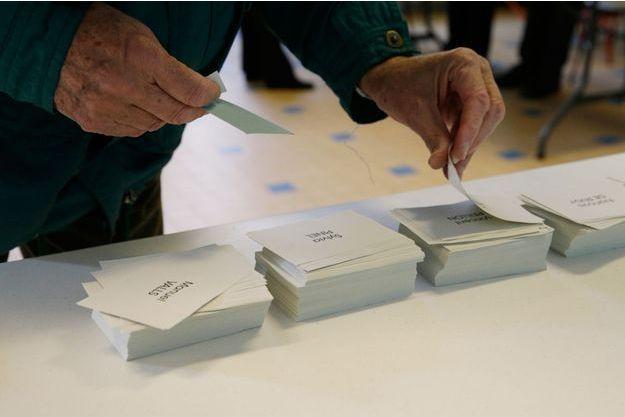 Lundi a 11 heures, plus de 1,6 millions de bulletins de vote du premier tour de la primaire du PS ont été comptabilisés.