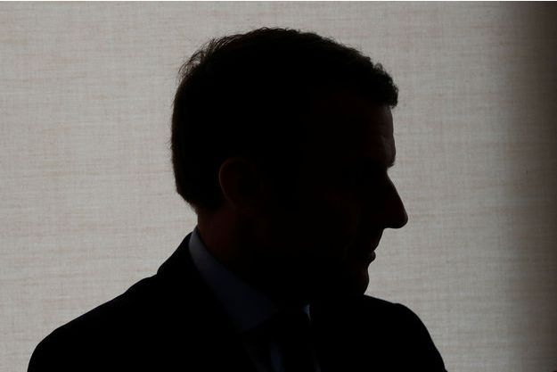 Emmanuel Macron lors d'une visite à Rungis le 18 avril.