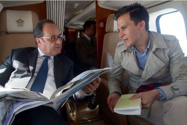 François Hollande et Gaspard Gantzer en avril dernier.