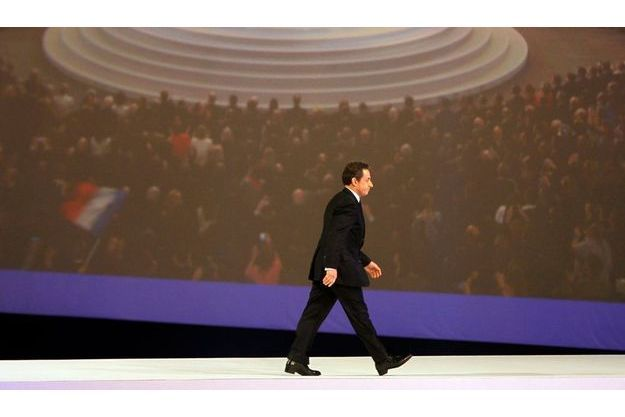 Nicolas Sarkozy, dimanche, à Villepinte : pour ce fauve  de la politique, il fallait une salle de spectacle grande comme un hall d'exposition.