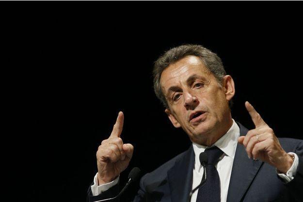 Nicolas Sarkozy appelle à voter Emmanuel Macron.