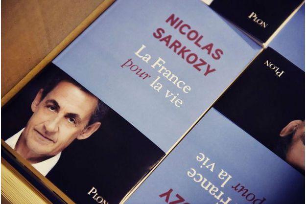 """La couverture du livre de Nicolas Sarkozy, """"La France pour la vie"""""""