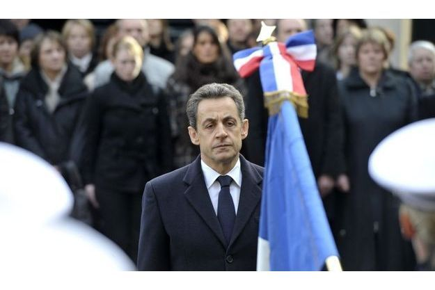 Nicolas Sarkozy a prononcé un discours en hommage à la policière de 30 ans tuée au sabre dans les locaux de la préfecture du Cher, le 14 octobre dernier