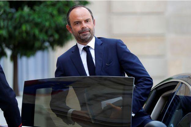 """Edouard Philippe s'est dit lundi """"favorable à titre personnel"""" à la réduction de vitesse à 80 km/h, au lieu de 90."""