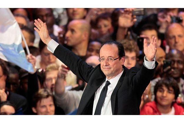 François Hollande en meeting dimanche 29 avril à Bercy, Paris.