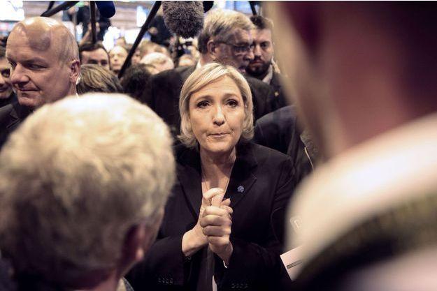 Marine Le Pen au salon de l'Agriculture, mardi.