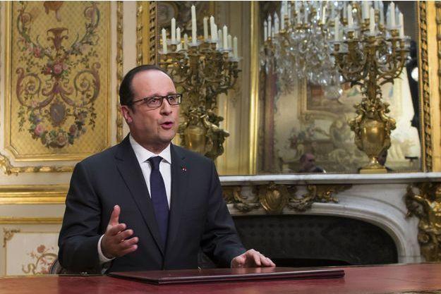 François Hollande durant l'enregistrement de ses voeux télévisés, mercredi 31 décembre.