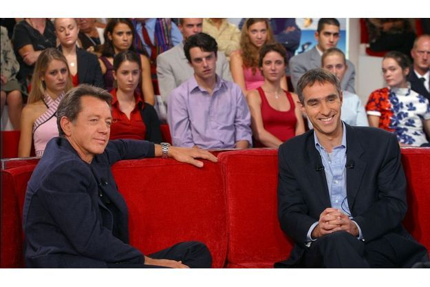 """David Servan-Schreiber (à droite), sur le plateau de """"Vivement dimanche""""."""