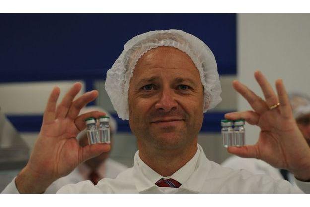 Lundi 21 septembre, le DG de Sanofi-Aventis lors de sa  visite à l'usine de Val-de-Reuil, le plus grand centre mondial de production de vaccins.