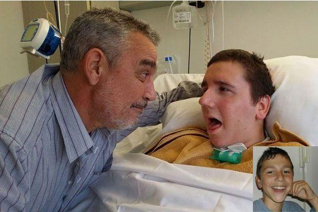 Robin, 21 ans, a été foudroyé à l'âge de 13 ans. Depuis 2007, son père lutte pour qu'il reçoive des soins de rééducation fonctionnelle.
