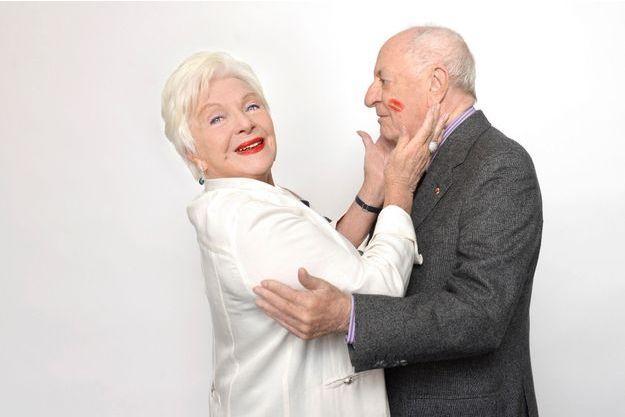 Un baiser d'anniversaire pour les 20 ans de Sidaction entre la vice-présidente et le président.