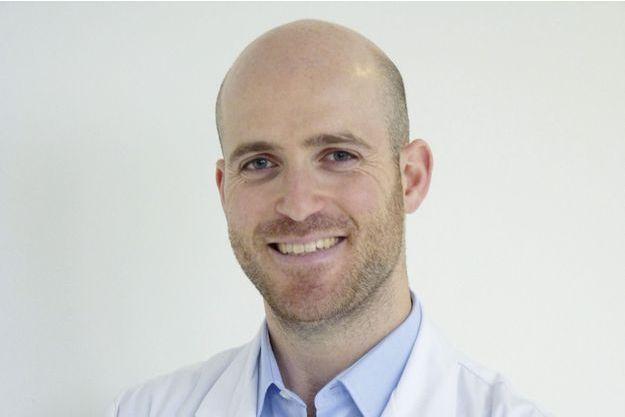 Dr Benjamin Sarfati, chirurgien spécialiste en chirurgie plastique esthétique et reconstructrice à l'hôpital Gustave- Roussy (Villejuif).