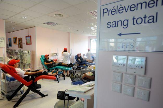 """L'EFS a lancé un """"appel urgent"""" aux dons de sang (image d'illustration)."""