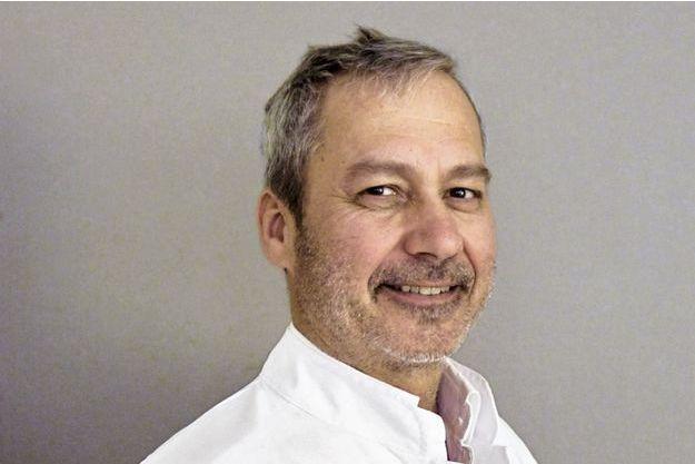 Dr Didier Prost, chirurgien orthopédiste à l'hôpital privé Résidence du Parc à Marseille.