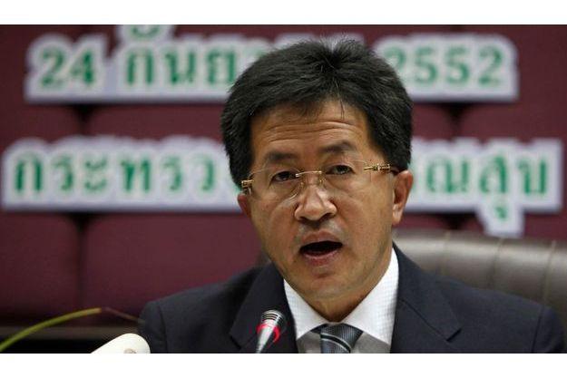 Le ministre de la santé publique thaïlandais, Witthaya Kaewparadai, a annoncé ce matin à Bangkok, la découverte du vaccin.