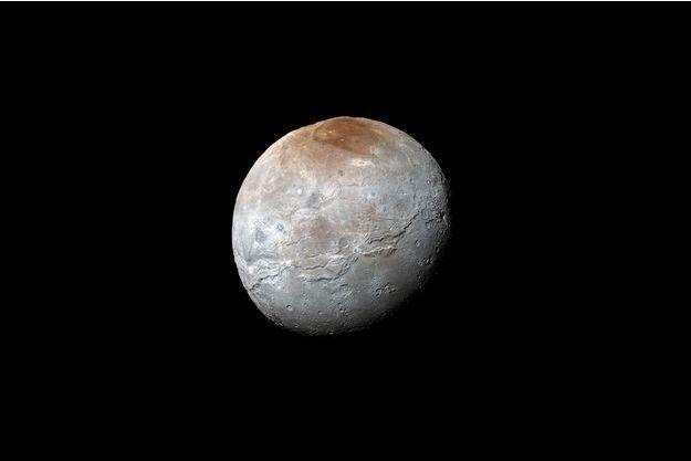 Charon, la lune de Pluton