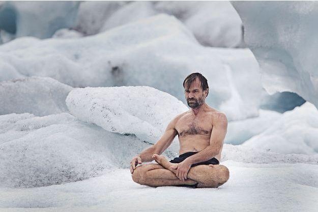 """Wim Hof, surnommé """"l'homme de glace""""."""