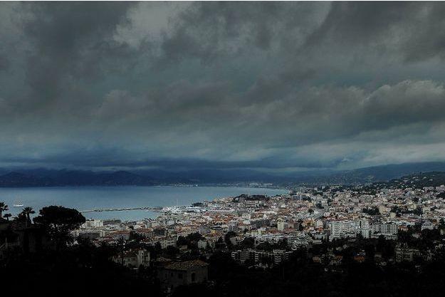 L'orage arrive sur Cannes, samedi