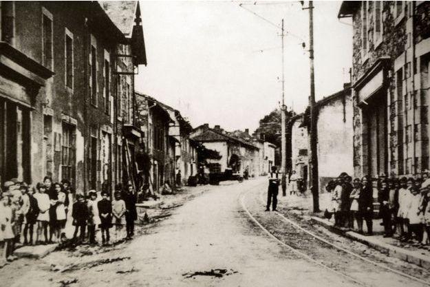 Oradour-sur-Glane, juin 1944.