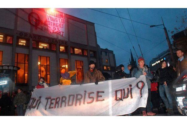 Manifestation de soutien aux accusés de Tarnac à Limoges le 13 décembre 2008.