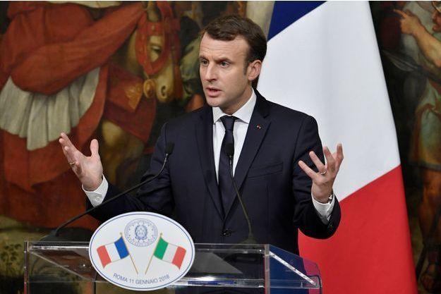 Emmanuel Macron lors de la conférence de presse à Rome.