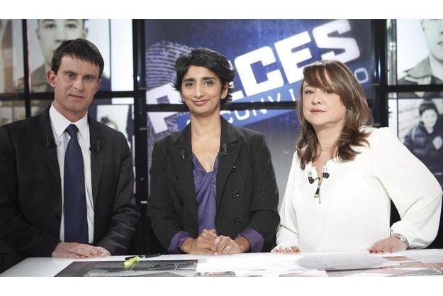 Manuel Valls , Patricia Loison et Delphine Byrka, sur le plateau de Pièces à conviction.