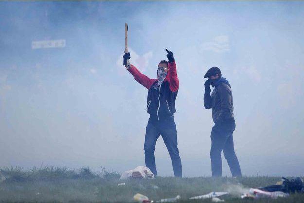Quelques 350 sympathisants d'extrême droite ou du Printemps français ont été arrêtés.