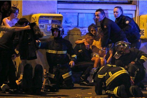 Au moins 129 personnes ont perdu la vie dans les attaques de Paris.
