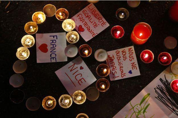 Les hommages se multiplient à Nice