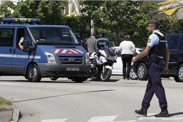 La police devant les lieux du drame