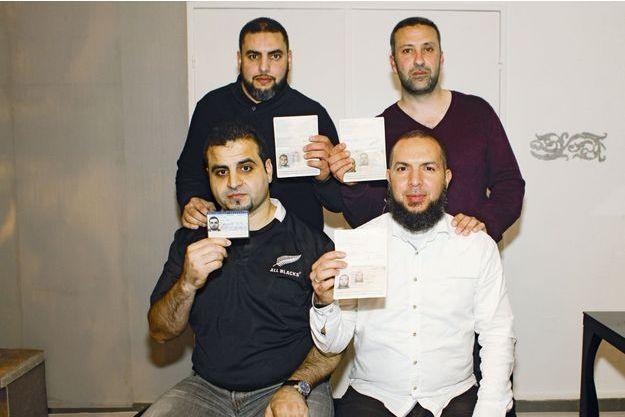 En haut, Redouane Aberbri et Fouad Charouali. En bas, Attila Turk et Rachid Aït El Hadj, posant chacun avec leur pièce d'identité française.